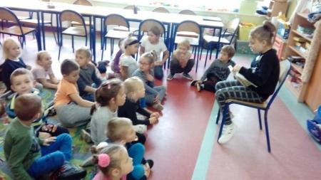 Program Starsi czytają młodszym